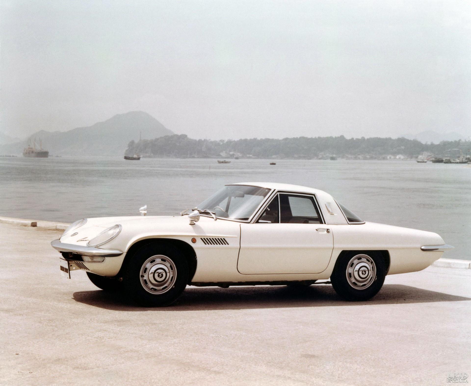 Mаzdа Cosmo Sport 1967 года – роторно-поршневый первенец марки