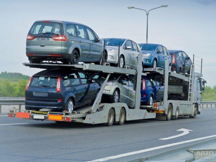 Импорт автомобилей в Украину резко упал