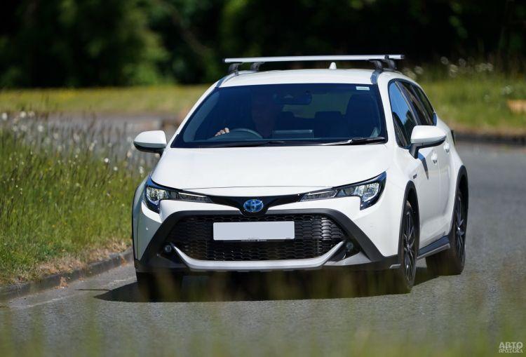 Toyota Corolla Trek: гибрид для активного отдыха