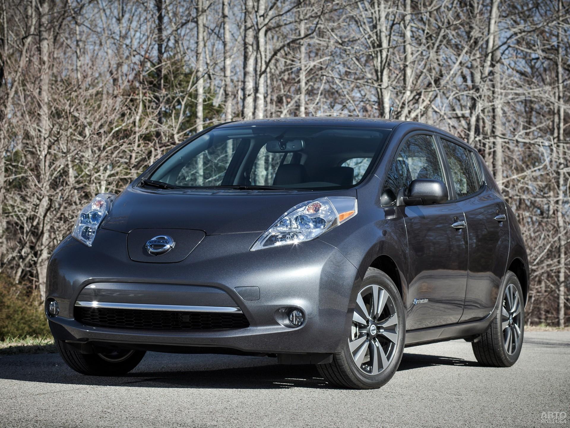 Nissan Leaf – первый массовый электромобиль