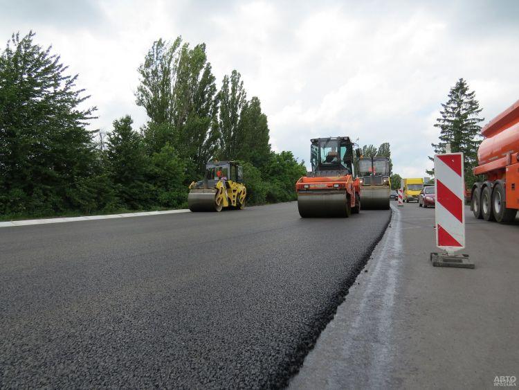 Украине выделили дополнительные 500 миллионов на дороги
