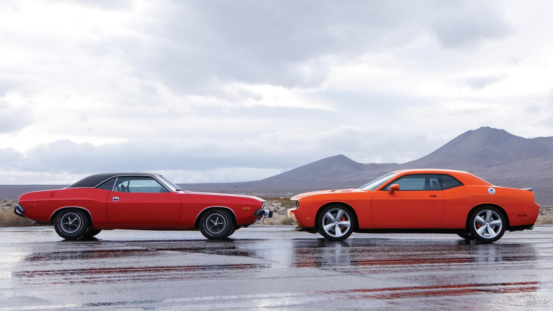 Современный Dodge Challenger очень похож на знаменитого предка