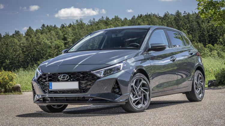 Hyundai i20: ярче, просторнее, экономичнее