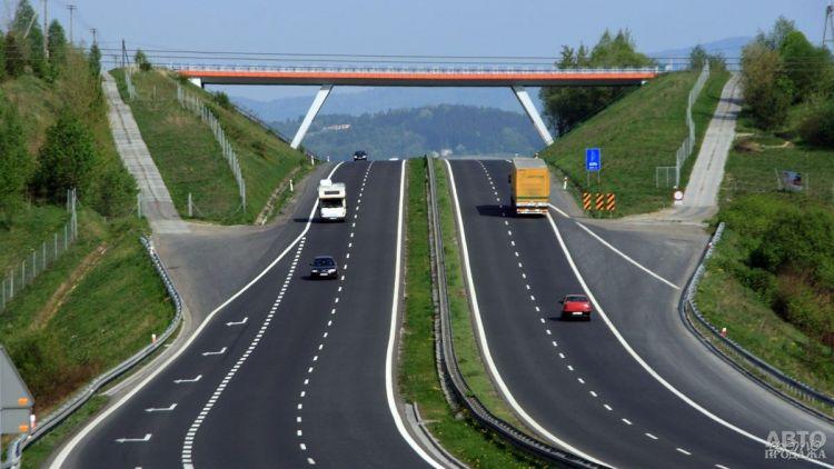 Утверждена стоимость проезда по платным дорогам Украины