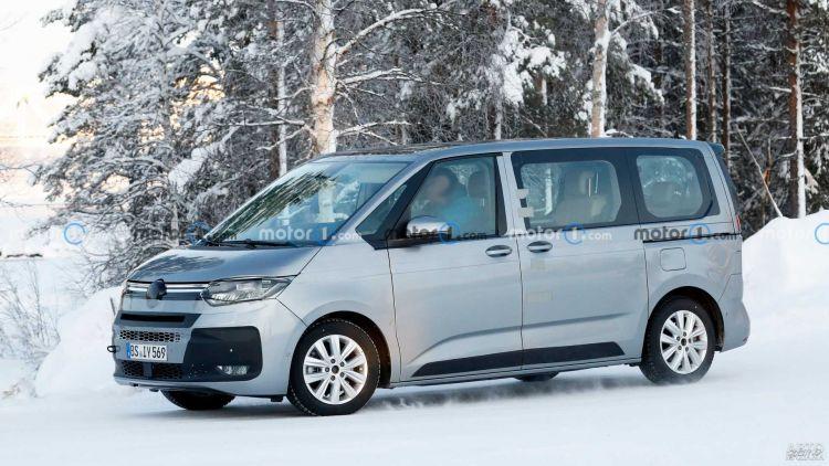 Новый Volkswagen Mutivan засняли во время тестов