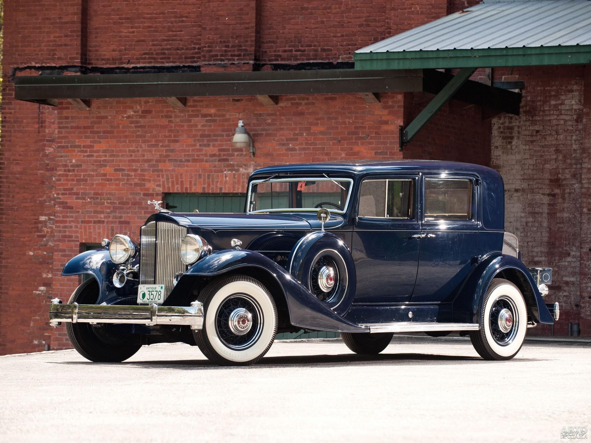 В 1933 году модель переименовали в Pаckard Twelve