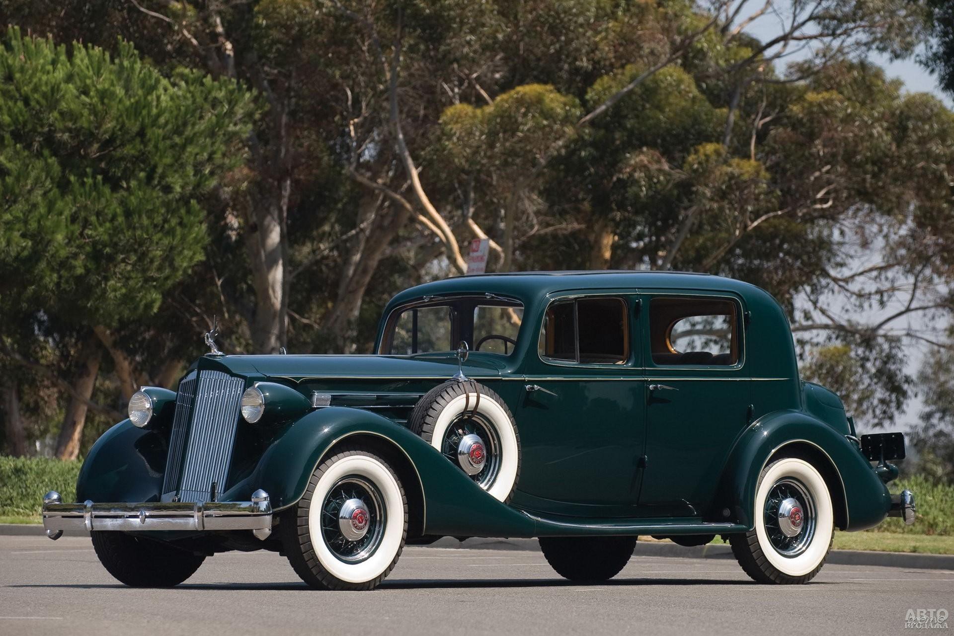 Седан Packard Twelve 1936 года