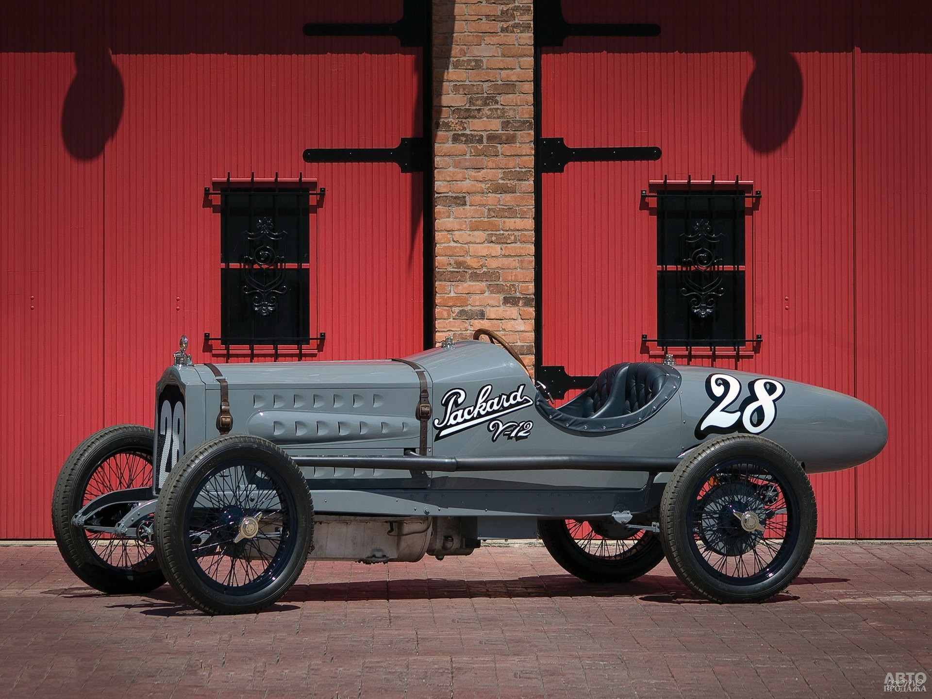 Доработанный Pаckard Twin Six установил в 1919 году рекорд скорости – достиг 240 км/ч