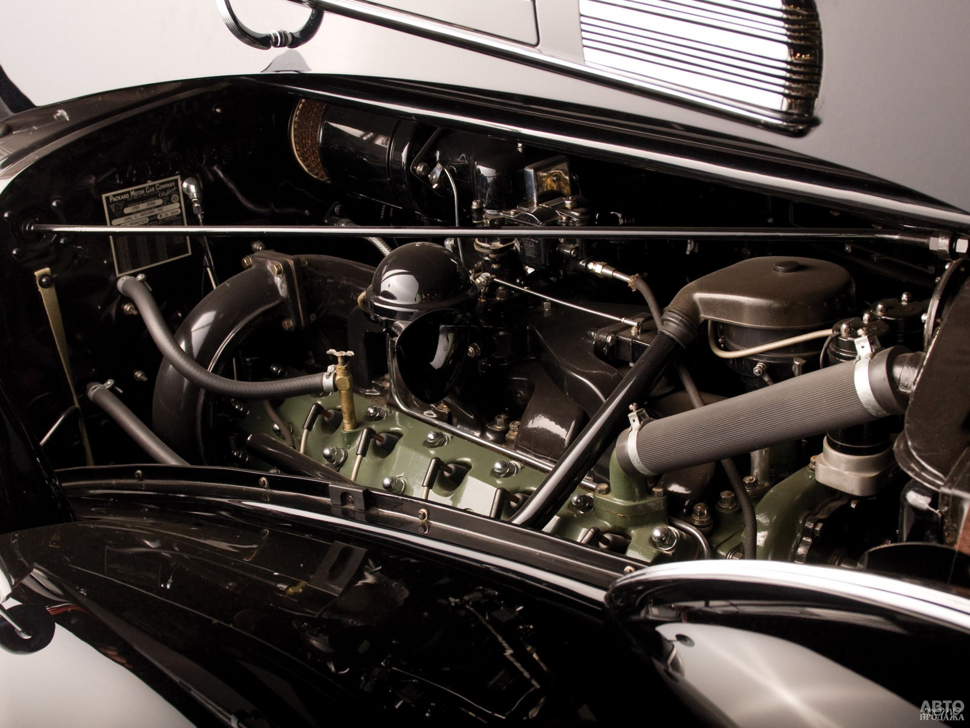 В конце 30-х годов объем двигателя достиг 7,7 л, а мощность выросла до 175 л. с.