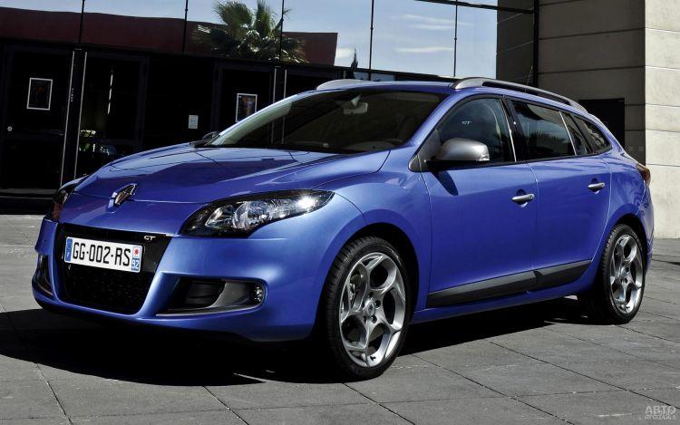 Украинцы активно покупают б/у авто