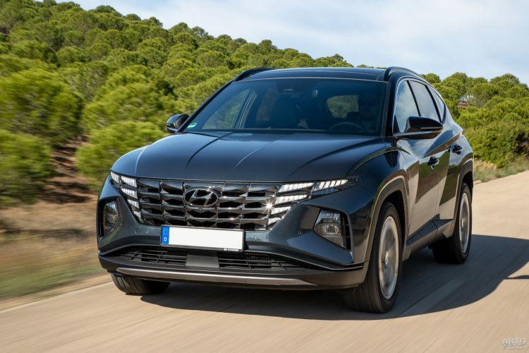 Hyundai Tucson, Jeep Compass и Mitsubishi Eclipse Cross: разные концепции компактных вседорожников