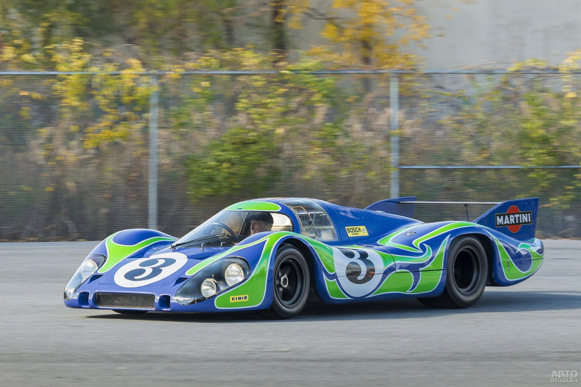 Удлиненный Porsche 917L с оригинальной окраской в стиле хиппи