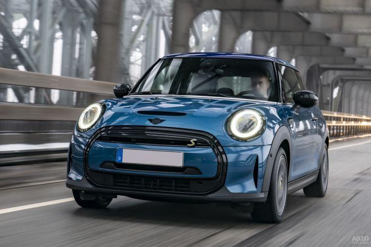 Mini Cooper SE: обновление электромобиля