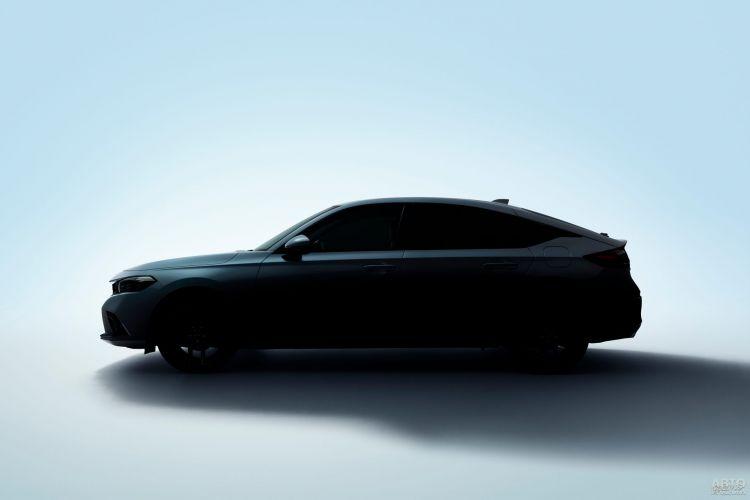 Хетчбэк Honda Civic показали на первых снимках