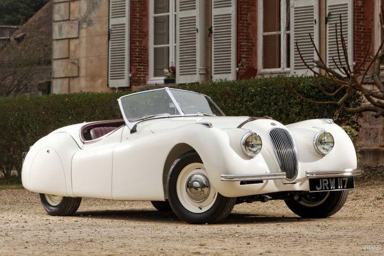 Jaguar XK: элегантный и скоростной