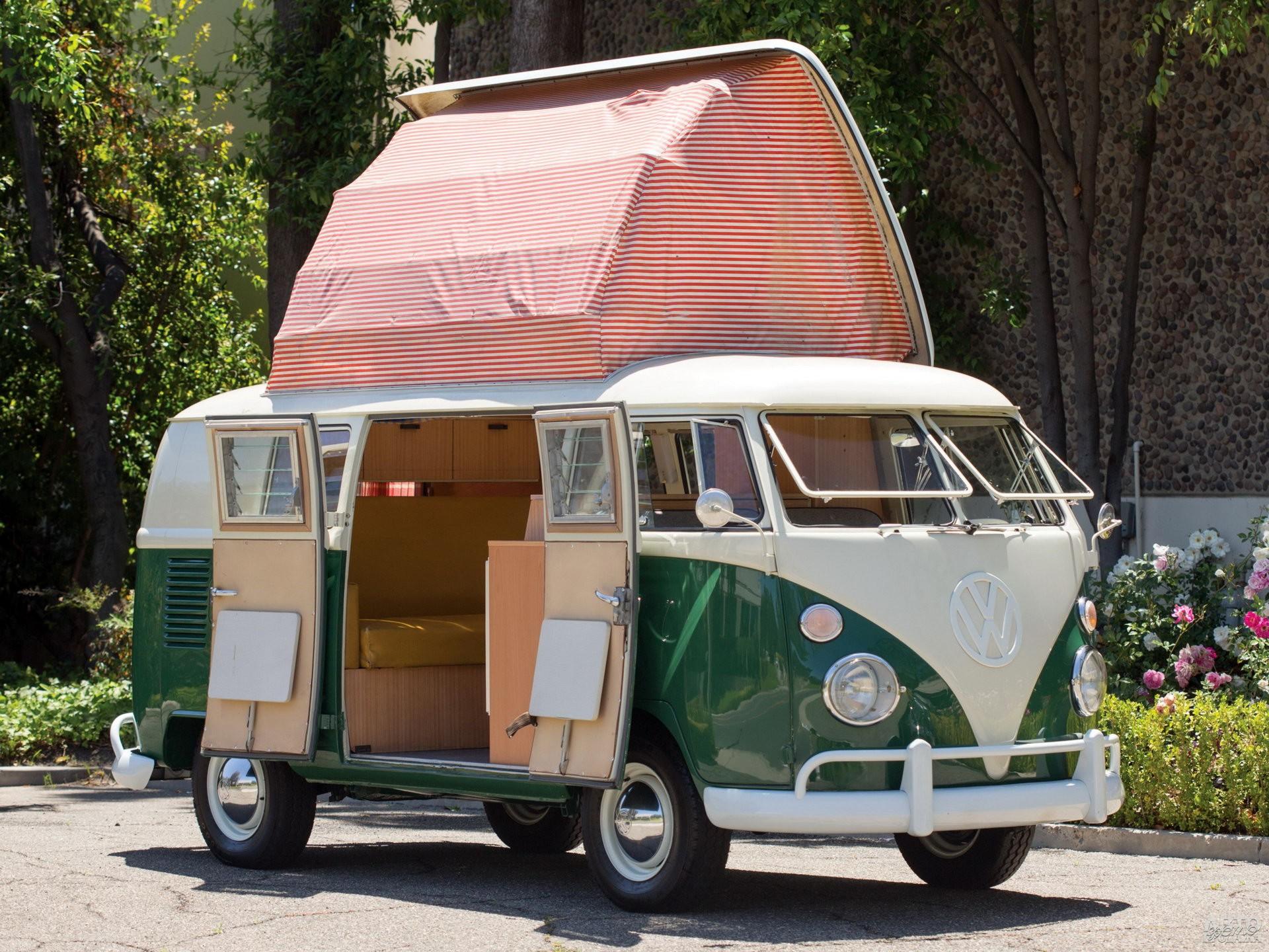 На крыше Volkswagen T1 Camper раскладывалась палатка
