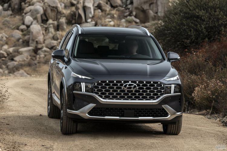Hyundai Santa Fe, Land Rover Discovery Sport и Seat Tarraco: семь мест в эконом-формате