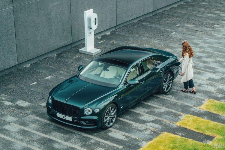 Bentley Flying Spur Hybrid: роскошь и забота об экологии