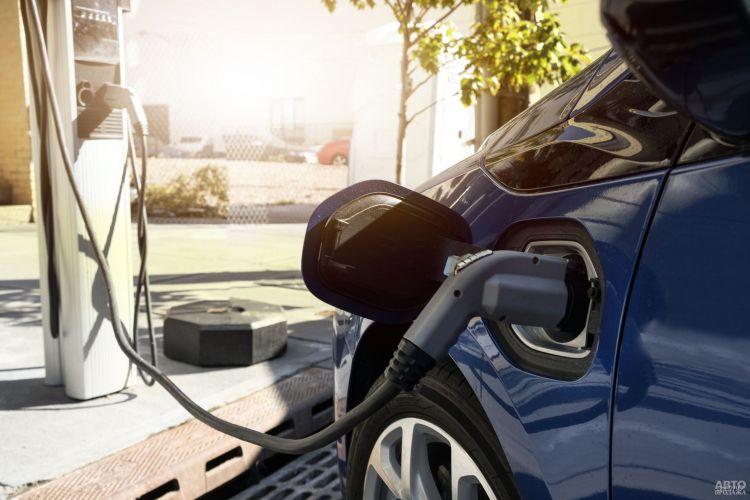 Евросоюз перейдет на электромобили с 2035 года