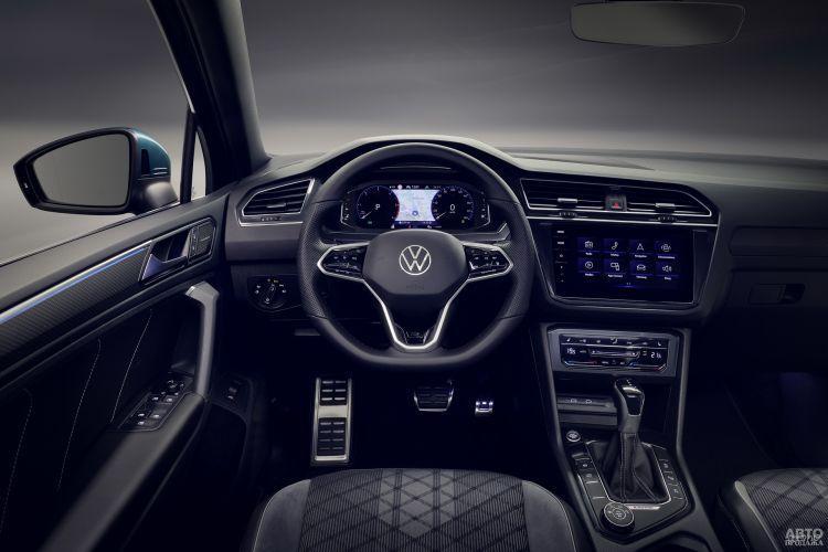 Показания приборов Volkswagen выведены на дисплей