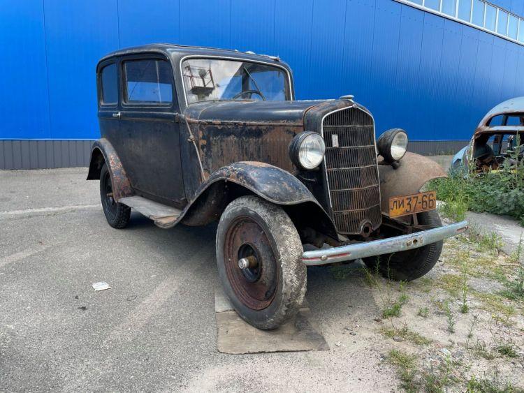"""Унікальна """"Таврія"""" і найрозкішніший Mercedes-Benz  1950-х - 5 авто, які варто побачити на OldCarLand"""