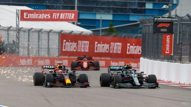 Формула-1: юбилейная победа Хэмилтона