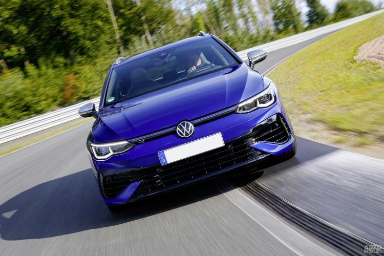 Volkswagen Golf R Variant: универсал с задорным нравом