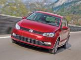 В переднем бампере Volkswagen Polo – широкий воздухозаборник