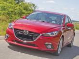 Широкая решетка радиатора Mazda 3 похожа на улыбку