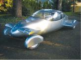 AirCar от компании Milner Motors выглядит довольно комфортно, по сравнению с летающими машинами прошлого