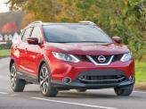 Внешне Nissan Qashqai напоминает старших братьев X-Trail и Pathfinder