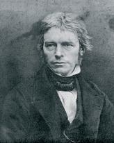 В 1825 году английский физик-испытатель Майкл Фарадей первым официально получил бензин