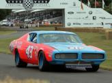 В 1974 и 1975 годах  Ричард Петти  выигрывал чемпионат NASCAR на Dodge Charger