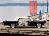 Двери Lincoln Continental 1961 года выполнены распашными