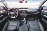 Циферблаты приборов Toyota снабжены синей подсветкой