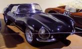 1957 Jaguar XKSS, один из 16 существующих, построен на шасси гоночного Jaguar D-Type