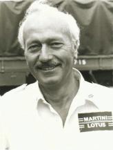 """Первым, кто догадался выпустить автомобиль и сопутствующий ему конструктор, был Колин Чепмен – создатель фирмы Lotus. Он и выпустил первый """"набор-самоделку"""" к автомобилю Lotus Seven"""