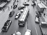 """Стокгольм 3 сентября 1967 года, в день перехода Швеции на правостороннее движение. В историю этот день вошел как """"Dagen H"""""""