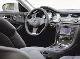 Салон пополнился новым рулем, панелью приборов и центральной консолью