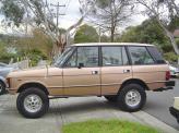С 1981 года Range Rover стал 4-дверным