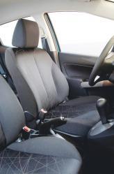 Передние сиденья комфортабельные и с достаточным количеством регулировок