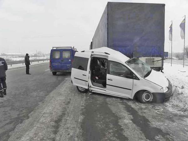 В Волынской области в результате столкновения двух транспортных средств погибло три человека
