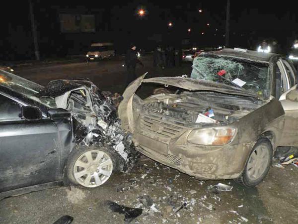 В ДТП в Николаеве погибла женщина и еще четыре человека