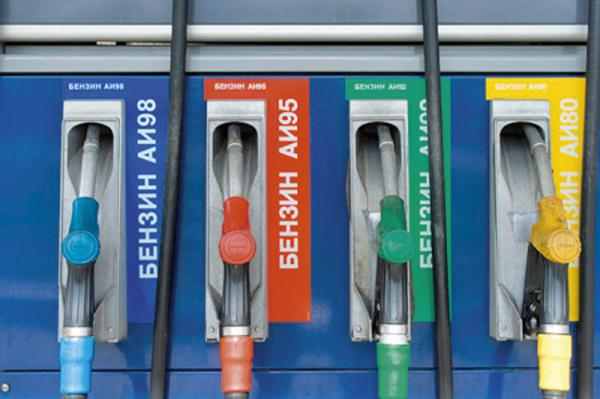 Бензин до середины февраля не будет дорожать