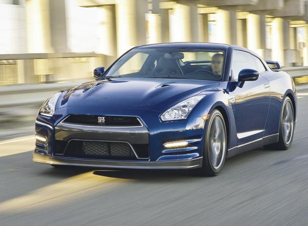 Nissan GT-R: прагматичное спорткупе