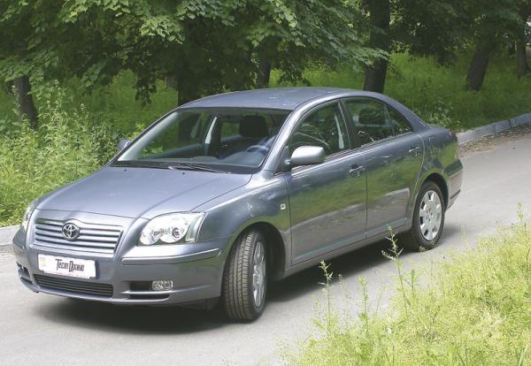 Toyota Avensis (2003–2008): надежный престиж