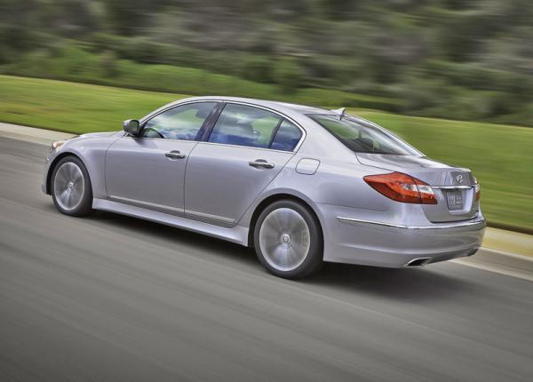 Компания Hyundai представила обновленный Genesis