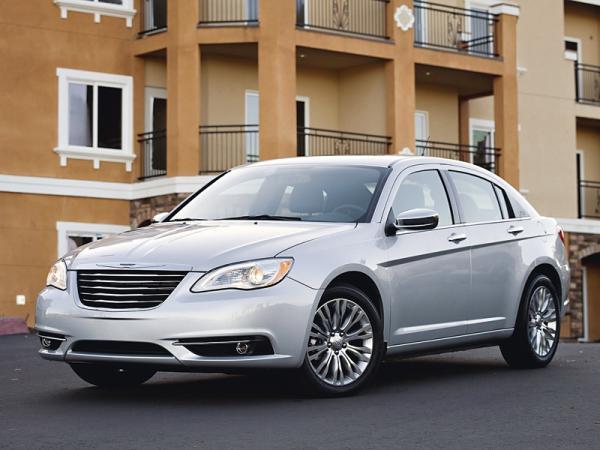 Chrysler 200: экономный способ смены модели