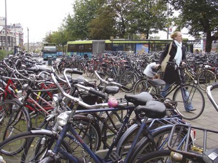 Очаровательная прогулка улицами Амстердама