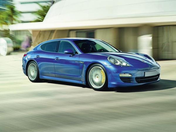 На Женевском автошоу Porsche представит гибридный Panamera Hybrid